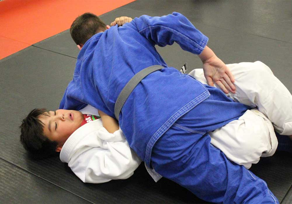 kids brazilian jiu jitsu at aurora family martial arts