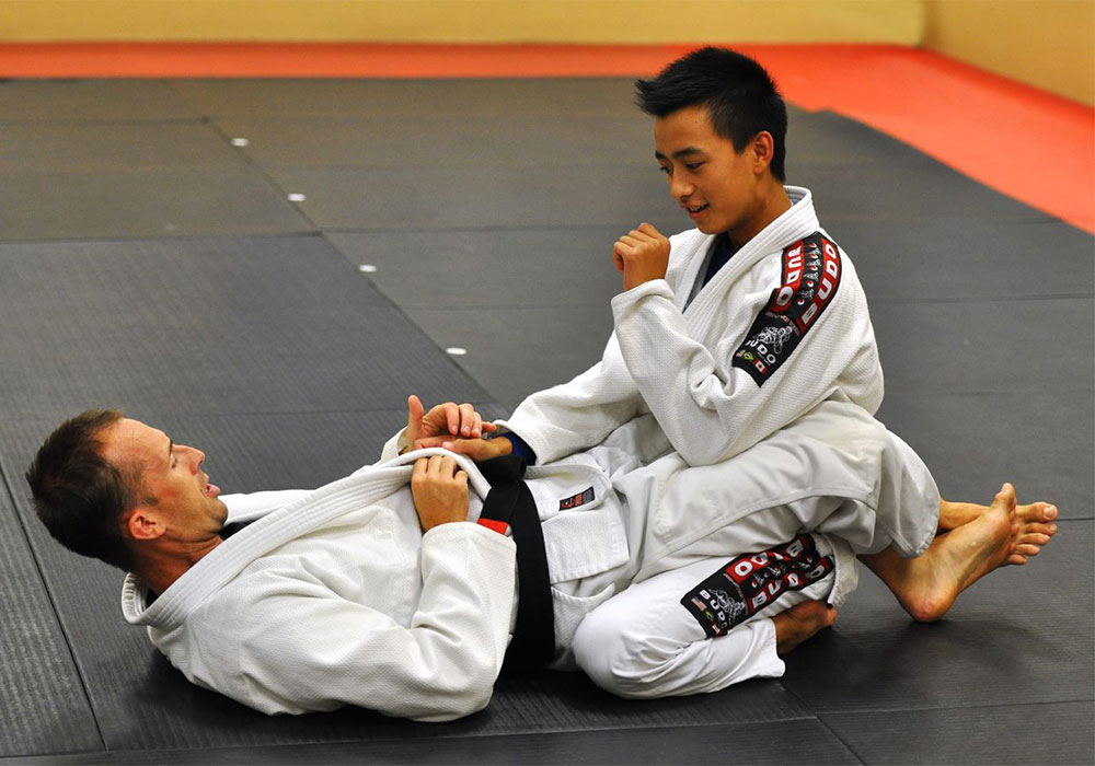 teenagers brazilian jiu jitsu at aurora family martial arts